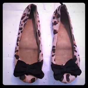 GAP leopard flats